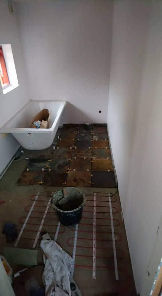 Entzuckend Badeværelse Med Skifer Fliser